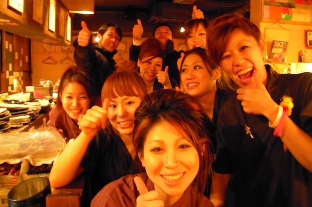 居酒屋の常連客や紹介客を増やすならスタッフ中心のリピート集客が鍵